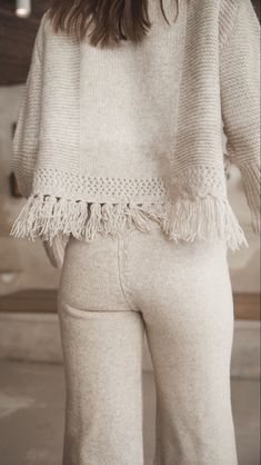 this cozy knit makes practical chic Cozy Knit, Getting Cozy, Wool Blend, Hemline, Contrast, Knitting, Chic, Sleeves, How To Make
