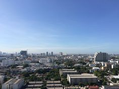 Clear sky in Thonburi, Bangkok.