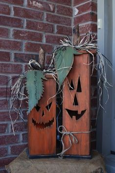 Halloween Decor Idea Wasatch Wood Crafts: Lighted Jack-O-Lantern Boxes Fall Wood Crafts, Halloween Wood Crafts, Halloween Projects, Halloween Diy, Holiday Crafts, Wooden Pumpkin Crafts, Rustic Halloween, Wood Pallet Crafts, Halloween Poster