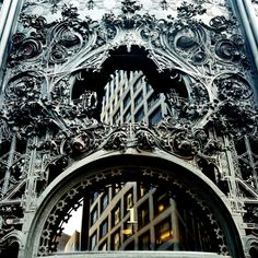 exquisitely ornate craftsmanship on facade of Louis Sullivan building. Beautiful Architecture, Architecture Details, Alien Plants, Louis Sullivan, Prairie School, Work Images, Famous Buildings, My Kind Of Town, Iron Art