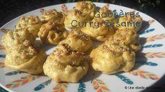 Gougères curry-sésame / Une abeille en cuisine Sesame, Curry, Meat, Chicken, Food, Collard Greens, Bee, Kitchens, Curries