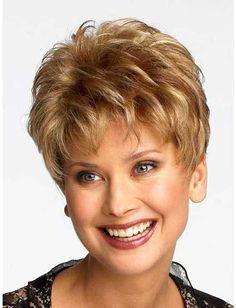 En capas estilo de pelo corto para mujeres mayores de 40