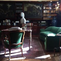 Trendy home library room dreams couch ideas Library Study Room, Home Library Rooms, Dream Library, Villa Necchi, Slytherin House, Slytherin Pride, Ravenclaw, Slytherin Aesthetic, Modern Books