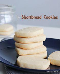 Sandhiya's Cookbook: Shortbread Cookies   Easy Cookie Recipe Delicious Cookie Recipes, Easy Cookie Recipes, Easy Desserts, Sweet Recipes, Baking Recipes, Dessert Recipes, Shortbread Cookies, Yummy Cookies, Basic Cookies