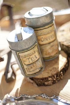 http://www.elizabethannedesigns.com/blog/2010/12/07/yellow-fall-farm-wedding/rustic-tin-centerpiece/
