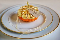 Friday Favorites - Love this pumpkin placecard for Thanksgiving dinner!