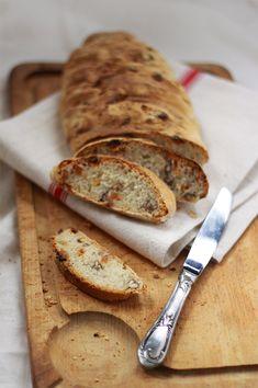Pain maison noix de pécan et raisins blonds / Homemade bread nuts pecan and sultanas