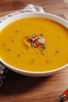 Fast Family Meals: 17 Butternut Squash Soup Recipes That'll Warm You . Fall Soup Recipes, Thanksgiving Recipes, Thanksgiving 2020, Winter Recipes, Classic Soup Recipe, Chicken And Butternut Squash, Butternut Soup, Roasted Butternut, Soup And Sandwich