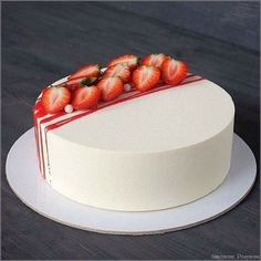 If you can buy a club near Moscow … – Food Cakes – # … – Cake Design – the - Cupcakes, Cupcake Cakes, Food Cakes, Strawberry Cake Decorations, Strawberry Cakes, Strawberry Compote, Cake Decorating With Strawberries, Strawberry Birthday Cake, Decoration Patisserie