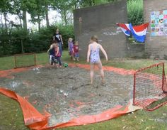 moddervoetbal Learning Through Play, Kids Learning, School Fun, Pre School, Having A Baby Boy, Mud Run, Day Camp, Summer Games, Preschool At Home