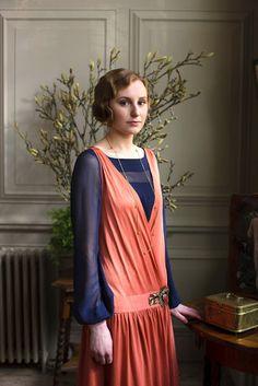 "royaltyandpomp: ""THE MOVIE Laura Carmichael as Lady Edith Crawley in Downton Abbey "" Downton Abbey Costumes, Downton Abbey Series, Downton Abbey Fashion, 20s Fashion, Vintage Fashion, Fashion Women, Edith Crawley, Laura Carmichael, Photo Souvenir"