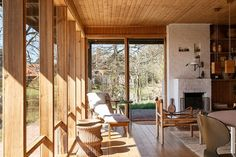 Interior Architecture, Interior And Exterior, Mid-century Modern, Beautiful Homes, House Ideas, Mid Century, Cottage, Furniture, Design