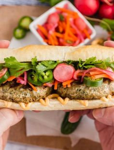 This easy Banh Mi Sandwich is a tasty twist on the traditional Vietnamese specialty. It's super easy to make and is a totally satisfying sandwich! Homemade Scalloped Potatoes, Scalloped Potato Recipes, Beef Tips Slow Cooker, Easy Dinner Recipes, Easy Meals, Easy Recipes, Cheese Sauce For Broccoli, Turkey Patties, Banh Mi Sandwich