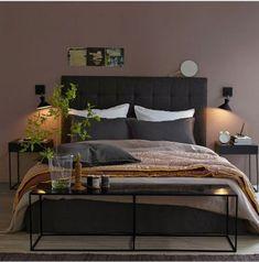 chambre couleur taupe et chocolat. Peinture et tête de lit AM.PM