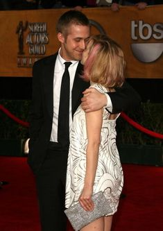 They are clearly attached by magnets. | 21 Reasons Ryan Gosling And Rachel McAdams Need To Get Back Together