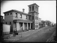 Pyrmont Public School on John St,Pyrmont in Sydney (year unknown. Historical Pictures, Historical Sites, Public School, The Jacksons, History Teachers, Blue Mountain, Colonial, Mansions, Architecture