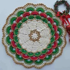 Crochet Towel, Crochet Diy, Thread Crochet, Crochet Motif, Crochet Patterns, Xmas Ornaments, Christmas Decorations, Holiday Decor, Homemade Gifts