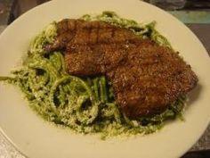 Tallarines verdes con bistec - Molitalia