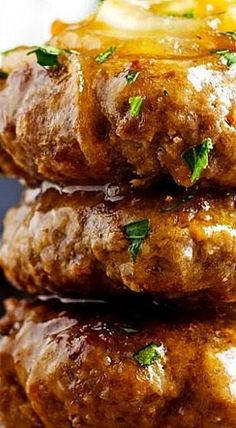 Hamburger Steak with Onions and Gravy. Hamburger Steak with Onions Hamburger Steaks, Hamburger Steak Recipes, Hamburger Dishes, Beef Dishes, Ground Beef Recipes, Recipes With Hamburger Patties, Supper Ideas With Hamburger, Meals With Hamburger, Swiss Steak Recipes