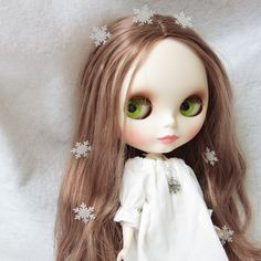 Silver snowflake necklace for Blythe or Pullip doll