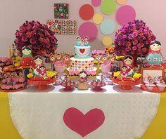 E agora a mesa completa do chá da Bia! Muitas pessoas queridas trabalhando para que tudo saísse perfeito!! Obrigada a todos!! #chadefraldas #babyshower #festa #decoracao #matrioskas #festamatrioskas #evedeso #eventdesignsource - posted by Lorena Rossoni https://www.instagram.com/lorenarrossoni. See more Baby Shower Designs at http://Evedeso.com