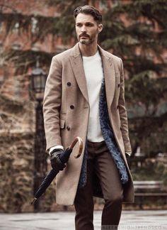Male Fashion Trends: Ben Hill modela las mejores piezas de abrigo de la temporada para Robb Report España