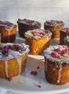 Lemon, Pistachio and Polenta Cakes with Raspberries