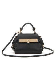 SALVATORE FERRAGAMO Sioux Calfskin Sofia Bag. #salvatoreferragamo #bags #shoulder bags #hand bags #leather #lining