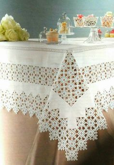How to Crochet for Absolute Beginners Filet Crochet, Crochet Borders, Crochet Motif, Crochet Doilies, Crochet Stitches, Knit Crochet, Crochet Patterns, Boho Home, Crochet Tablecloth