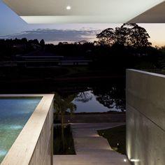 Casa PV / Sérgio Sampaio Arquitetura + Planejamento #pool #detail #view