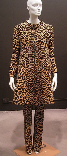 Seriously, Valentino leopard, 1966.
