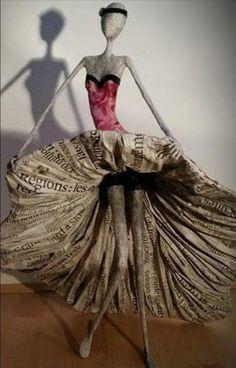 Sculpture papier mâché . Camille jacobs