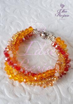 Bracciale di mezzicristalli rosso/arancio, by Idee Preziose di Ale e Cri, 12,00 € su misshobby.com
