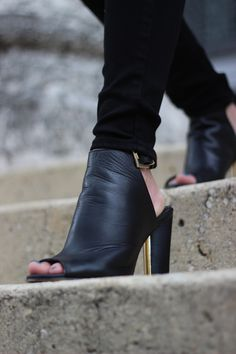 Stephanie Kamp Blog: Black & White Top from London