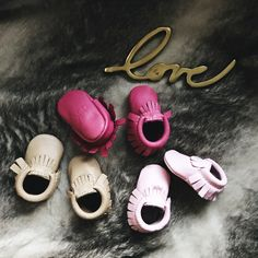 Freshly Picked moccasins for baby girl; @freshlypicked moccasins, perfect for baby's first pair of shoes, soft soles make it easier for babies to learn walking, newborn shoes, leather moccasins, super cute freshly picked moccasins for boys and girl