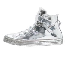 CLICK TO SHOP ➡️Converse Sneakers ⚡️ #converse #sneakers https://www.theshopally.com/celinefloat/20160222/click-to-shop-converse-sneakers-converse-sneakers-3
