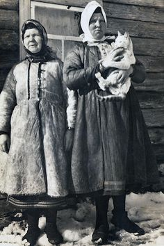 Muhu women, winter lamb coats.