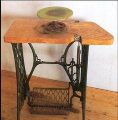 Hay personas que son realmente innovadoras y creativas... ¡miren este maravilloso torno construido con una vieja máquina de coser! Enjoy...