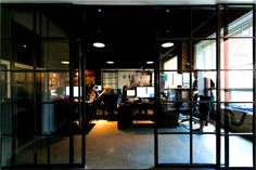 Exemple Media Industrial Design Room With Glass Door And And ...