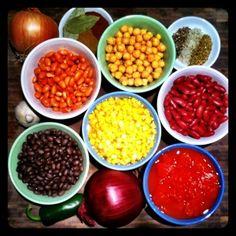 Vegetarian Chili - super easy, flexible and delicious!  #vegetarian #recipe