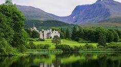 Sick of touring castles and want to stay in one? Picturesque Inverlochy Castle is one of the most luxurious hotels in Europe. Brendan Vacations, Places To Travel, Places To See, Scotland Travel, Scotland Trip, Highlands Scotland, Most Luxurious Hotels, Country House Hotels, Fort William