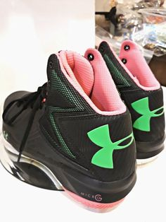 brand new c860f cdc98 UNDER ARMOUR HIGH TOP SNEAKERS Micro SHOES RETRO STYLE NEON BLACK PINK SIZE  9  Underarmour