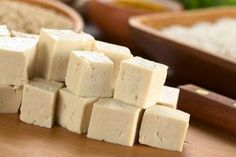 Tofu is a soy product and should not be given to babies with a soy allergy. Tofu makes a good finger food because you can dice it small and it is soft and easy to chew. According to Wholesome Baby Food, you can introduce tofu at around 8 months of age. Tofu Recipes, Fudge Recipes, Baby Food Recipes, Cauliflower Recipes, Foods For Abs, Foods To Avoid, Ab Foods, Peanut Butter Fudge, Creamy Peanut Butter