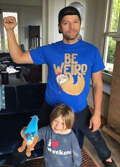 I'm wearing the exact same tee shirt as Misha is! Also, Maison is such a cutie! Castiel, Supernatural Fandom, Supernatural Poster, Misha Collins, My Boys, Little Boys, Jared And Jensen, Jensen Ackles, Celebs