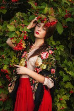 Beautiful Muslim Women, Beautiful Girl Image, Photo D Art, Foto Art, Russian Beauty, Russian Fashion, Photography Women, Portrait Photography, Culture Russe