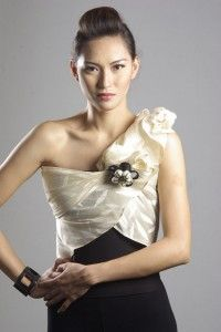 BRIDE'S PARTY: Girls, will just wear black cocktail dresses, then a maria clara wrap around in different colors and folds will be provided to achieve the modern maria clara look.