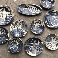 Going smaller.... this week I'll be getting ready for the Portland Renegade! #pottery #sgraffito #ceramics #claylife