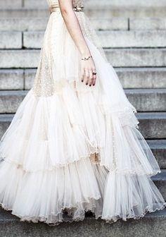 cream tulle dress//