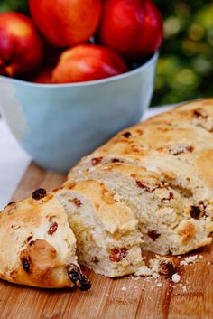 Dutch  Easter Bread Recipe ~ it's sweet and filled with lovely raisins and ground almonds. I HAVE TO TRY THIS, especially since its Dutch!!