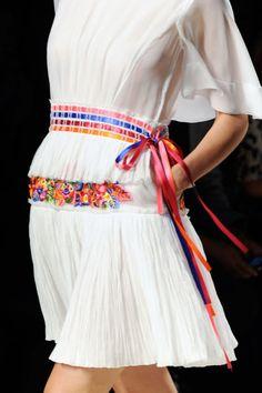 Milan  Alberta Ferretti Spring 2014 Prêt À Porter, Mode Femme, Ceintures,  Haute 35a92fc2670d